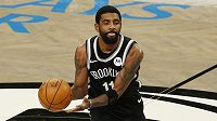 Hvězda Brooklyn Nets Kyrie Irving v akci.
