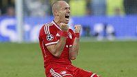 Arjen Robben z Bayernu si užívá radost po vstřelení vítězného gólu ve finále Ligy mistrů.