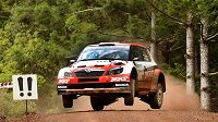 Jan Kopecký se Škodou Fabia S2000 na trati Australské rallye.