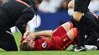Liverpoolský Harvey Elliott utrpěl proti Leedsu vážné zranění.