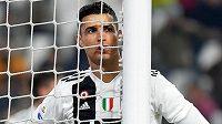 Hvězda Juventusu Cristiano Ronaldo během utkání italské ligy.