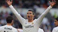 Cristiano Ronaldo z Realu Madrid se raduje z branky.