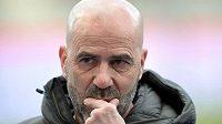 Trenér Peter Bosz na lavičce fotbalistů Bayeru Leverkusen skončil.