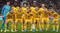 Fotbalisté Belgie před kvalifikačním utkáním na ME 2020 v Petrohradu proti Rusku. Obránce Dedryck Boyata stojí v horní řadě druhý zprava.