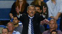 Nespokojený trenér Chelsea José Mourinho