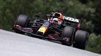 Pilot Red Bullu Max Verstappen během tréninku na Velkou cenu Štýrska.