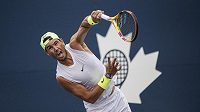 Rafael Nadal při tréninku v Torontu.