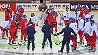 Momentka z dopoledního rozbruslení českého hokejového týmu před večerním utkáním skupiny A mistrovství světa proti Bělorusku.