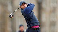 Severoirský golfista Rory McIlroy se po skoro čtyřech a půl letech vrátil do čela světového žebříčku.