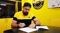 Útočník Richard Jarůšek podepsal s Litvínovem novou roční smlouvu.