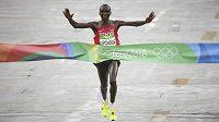 Eliud Kipchoge vyhrál jako druhý Keňan v hitorii olympijský maratón.
