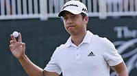 Golfista Xander Schauffele vyhrál turnaj the Greenbrier Classic série PGA Tour a vydělal 29 miliónů korun.