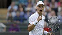 Tomáš Berdych se raduje z postupu do druhého kola Wimbledonu