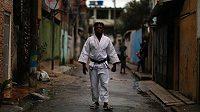 Uprchlík z Konga žijící v Riu je jednou z tváří uprchlického týmu, soutěžit bude v judu.
