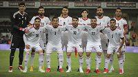 Íránský tým před jedním z přípravných zápasů před MS. Ilustrační snímek.