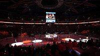 Nástup k utkání NHL Philadelphia Flyers - Chicago Blackhawks.