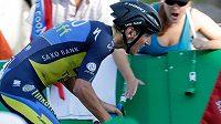 Český cyklista Roman Kreuziger se chytá na Tour de France.