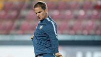 Trenér Interu Milán Frank de Boer během předzápasového tréninku na Letné.