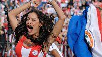 Fotbal a krásné fanynky, toto spojení už léta dokumentuje vyhlášená paraguayská modelka Larissa Riquelme.