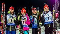 Zleva Michal Šlesingr, Veronika Vítková, Gabriela Soukalová a Ondřej Moravec s bronzovými medailemi.