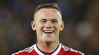 Spokojený Wayne Rooney během zápasu v Bruggách.