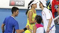 Novak Djokovič a Ana Ivanovičová po vítězství nad párem Franceska Schiavoneová a Andreas Seppi.