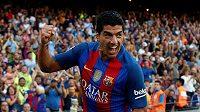 Barcelonský útočník Luis Suárez vstřelil v prvním duelu La Ligy hattrick.
