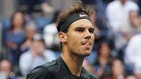 Spokojený Rafael Nadal získal první set.