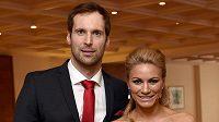 Petr Čech a manželka Martina během vyhlášení jubilejního 50. ročníku ankety Fotbalista roku 2014 dne 29. března 2015 v hotelu Hilton v Praze.