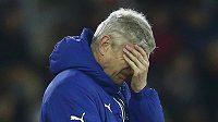 Arséne Wenger při prohře Arsenalu na hřišti Southamptonu.