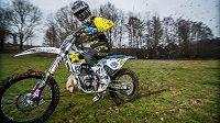 Freestyle motokrosař Libor Podmol se rozhodl po pěti letech vyměnit značku svého motocyklu. Od letošního roku přešel z Yamahy na Husqvarnu.