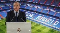 Šéf Realu Madrid Florentino Pérez obhajuje vznik Super ligy.