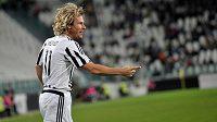 Jako za starých časů - Pavel Nedvěd nedávno oblékl dres Juventusu v charitativním zápase s Bocou Juniors a takto se radoval ze vstřeleného gólu.