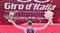 Italský cyklista Filippo Ganna vyhrál úvodní časovku Gira d'Italia a jako první se oblékl do růžového dresu.