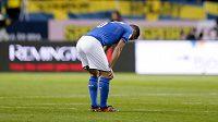 Italský reprezentant Antonio Candreva po porážce ve Švédsku. Dokáže Squadra Azzura v odvetě vybojovat postup?