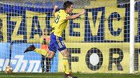 Jakub Kolář ze Zlína se raduje z vítězného gólu v utkání proti Olomouci.
