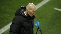 Trenér fotbalistů Realu Madrid Zinédine Zidane po senzačním vyřazení v poháru.