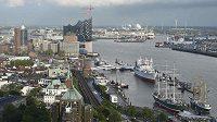 Pohled na přístav v Hamburku, který se uchází o OH 2024.