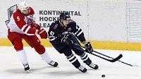 Český hokejový útočník Jan Buchtele se konečně trefil v dresu Slovanu Bratislava v KHL.