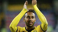 Dortmundský Pierre-Emerick Aubameyang poté, co dal hattrick v EL proti Gabale.