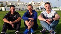 Petra Kvitová se na Lanzarote vyfotila již bez bandáže na zraněné levé ruce. Vlevo triatlonista Andreas Raelert a vpravo oštěpař Thomas Röhler.