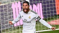 Sergio Ramos, kapitán fotbalistů Realu Madrid se raduje poté, co vstřelil gól v ligovém utkání proti Getafe.