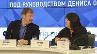 Předsedkyně ruské lyžařské federace Jelena Vjalbeová prohlásila, že nikdo z ruských lyžařů diskvalifikovaných z olympijských her v Soči kvůli porušení antidopingových pravidel medaili nevrátí. Podle Vjalbeové budou Rusové o medaile u soudů bojovat třeba deset let.