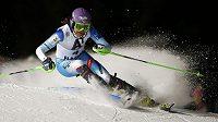 Šárka Strachová na trati slalomu Světového poháru ve Flachau.