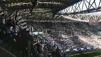 Ženský ligový fotbal v Itálii přepsal rekordy v návštěvnosti. Na zápas mezi ženami Juventusu a Fiorentiny se přišlo podívat 39 000 lidí.