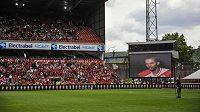 Fotbalový klub Standard Lutych je bez trenéra.