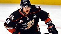 Finský útočník Teemu Selänne kroutí v Anaheimu už 15. sezónu v NHL.
