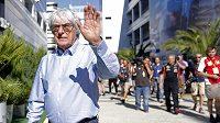 Minulou neděli v Japonsku chyběl, premiérový závod v Rusku si Bernie Ecclestone ujít nenechal.
