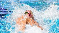 Plavec Jan Šefl při polohovém závodu na 100 metrů na ME v Glasgow.