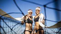 Kristýna Kolocová (vlevo) a Markéta Sluková, nejlepší české plážové volejbalistky.